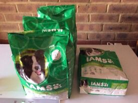 IAMS DOG FOOD 5 x 3kg bags