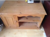 Pine low level cabinet can be used as tv stand,ideal for painting shabby chic