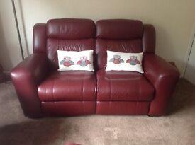Reclining manual sofa