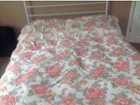 Double duvet set floral with lace trim excellent condition