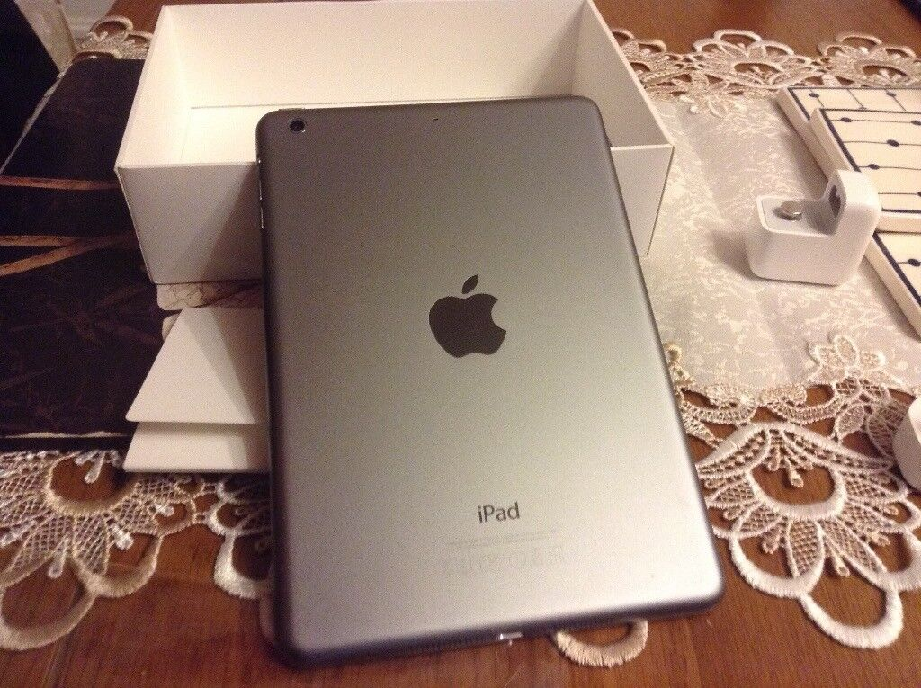 iPad mini 16gb excellent condition space grey boxed great Xmas box