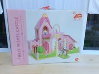 NEW Le Toy Van Three Wishes Castle Wooden Play Set plus Budkin