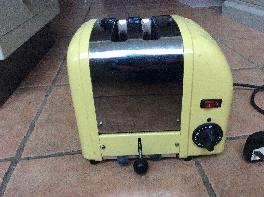 Dualit clasic toaster. 2 slot in pale yellow.