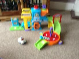 EXCELLENT CONDITION VTECH TOOT TOOT DRIVERS POLICE STATION AND POLICE CAR