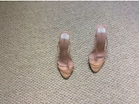 Pink high heel Dolcis shoe worn once size 4
