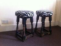 2 pub stools
