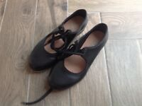 Girls Bloch tap shoes