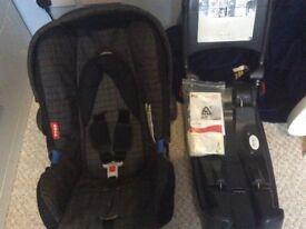 Britax cosy tot premium car seat and isofix base 0+