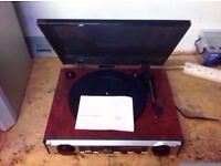 RE-D134 3 SPEED TURNTABLE WITH RADIO