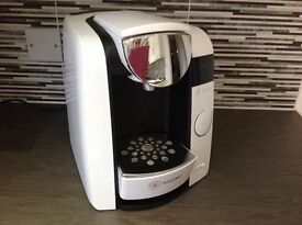Tassimo 1300W. White. Hot drinks maker (coffee, tea, hot chocolate, iced drinks)