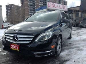 2013 Mercedes-Benz B-Class NAVI, BACK-UP CAM, PANO SUNROOF