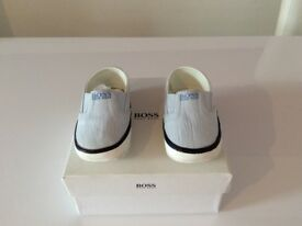 Hugo boss baby shoes size 3