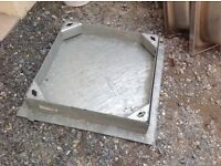 Inset manhole cover