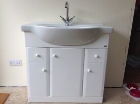 White ROCA Bathroom Sink unit - MUST GO!