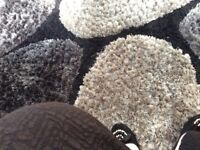 Large shag rug 150x230 gray and black good condition changing colour scheme £50