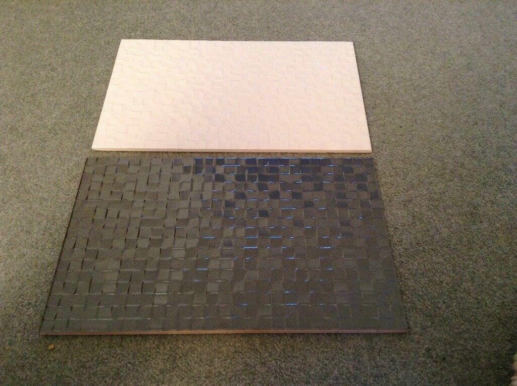 White and grey slate wall tiles