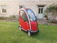 AS NEW Shoprider Traveso Mobility scooter with all weather lockable cab. As new.