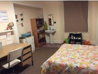 STUDENT ROOM TO LET IN ERMINGTON TERRACE, PLYMOUTH - GREAT HOUSE - GREAT RENT INCLUDING BILLS
