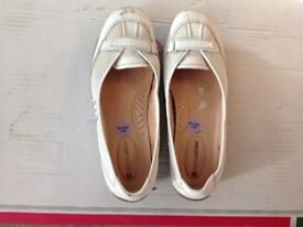White leather shoes - loafers - Naturalizer