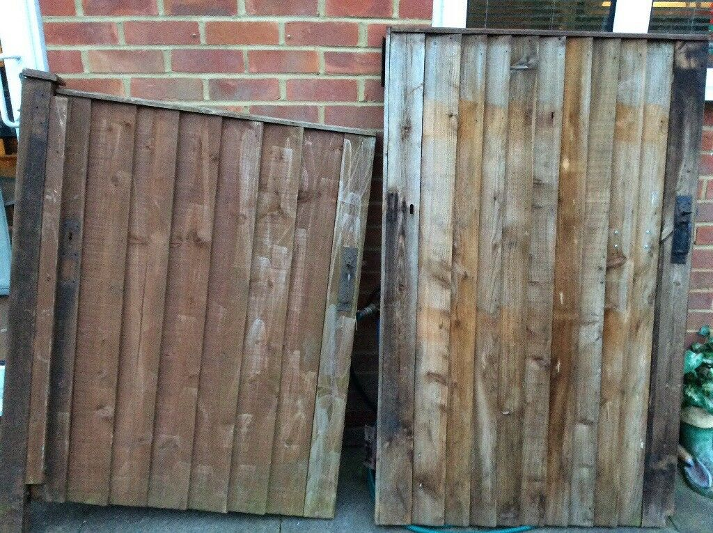Solid wooden gates, vgc could deliver