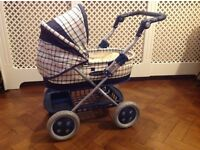 Kid's Mama and Papa's pram. VGC
