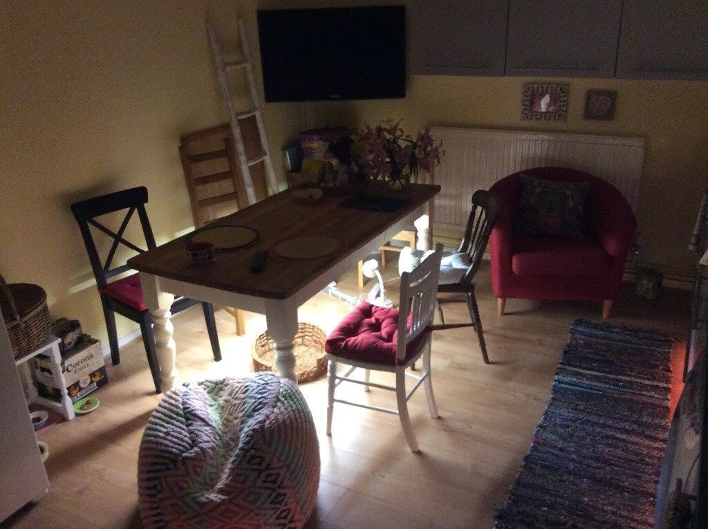 Large Bright Double Room in Big House with Garden