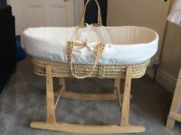 Moses basket with rocking stand and 4 fitted sheets