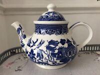 Churchill Willow Pattern Tea Pot.