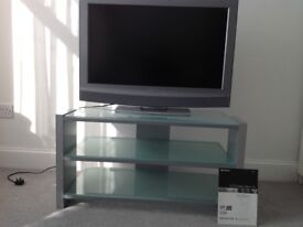 Sony LCD Bravia 32ins TV and matching table in excellent condition