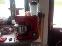 VonChef food professor red with mincer and liquidiser almost new very little use with instructions