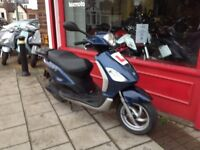 PIAGGIO FLY 125 COMES FULLY SERVICED, NEW BRAKES RECENT DRIVE BELT &ROLLERS DELIVERY CAN BE ARRANGED
