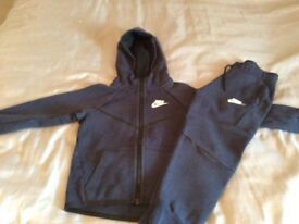 Nike tech tracksuit age 6/7years
