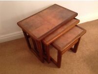 Nest of tables Teak with tiled top