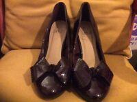 Burgundy Ladies Heels, Size 6