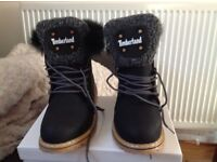Black Timberland Boots size 7