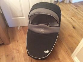 Windoo Cary cot from Bebe Comfort