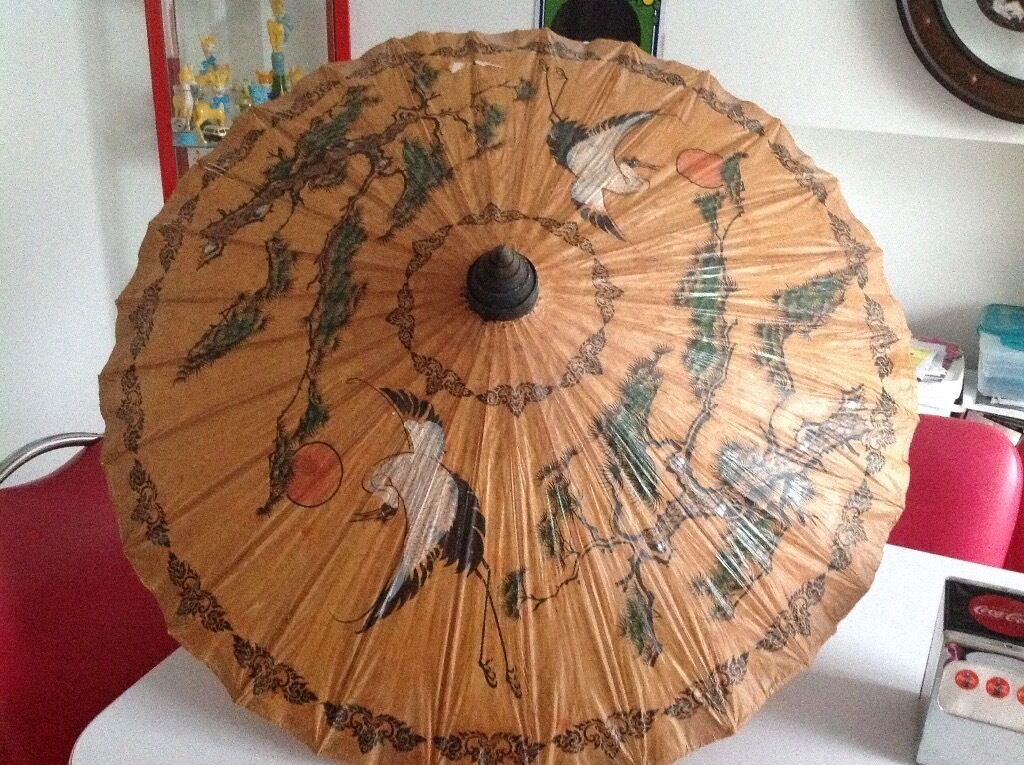 Vintage paper parasolin Totton, HampshireGumtree - Lovely vintage rice paper I believe parasol. Some damage as shown in first 3 pictures but great item for prop, film etc. May be you could repair it?