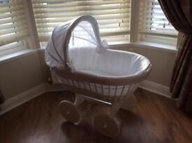 White Leipold Wicker Crib and mattress