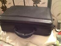 Targums CUD1 deluxe universal case. Good used condition.