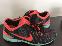 Nike TRI FIT 5 Trainers Size 6