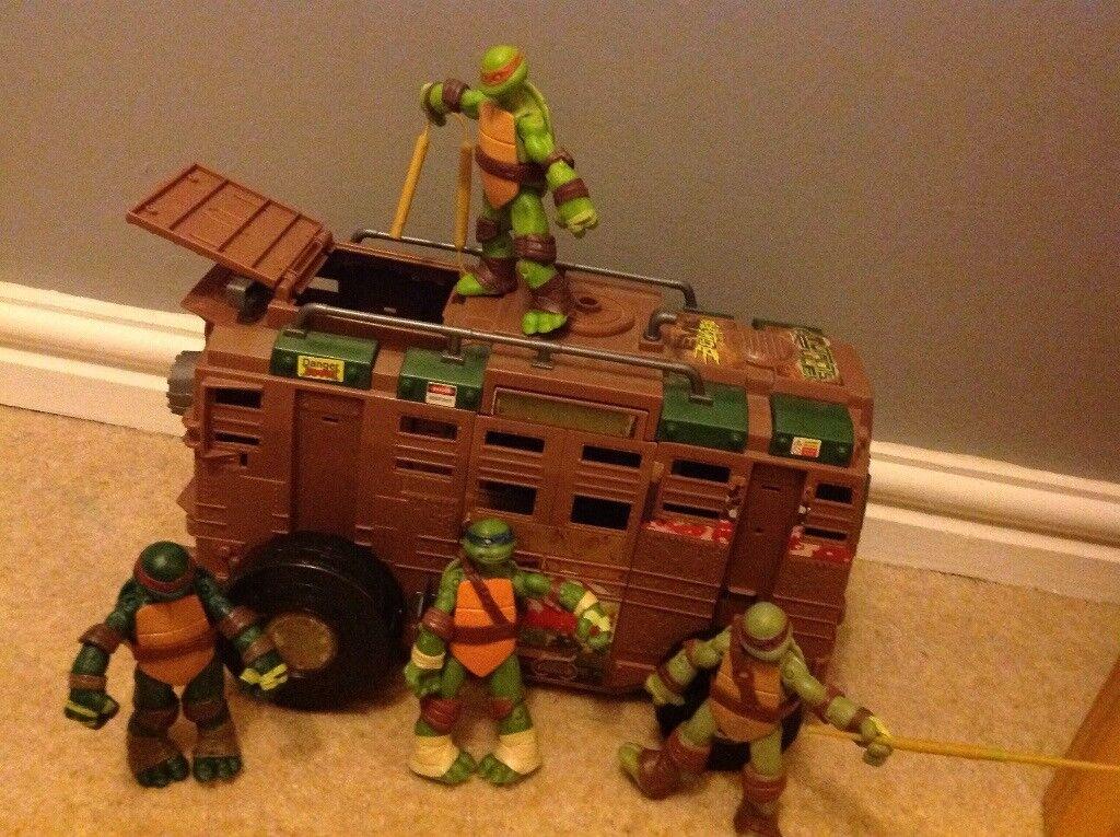 TMNT shell raiser van with 4 turtles