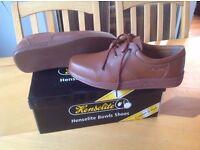 Henselite Bowling Shoes (Size 9)