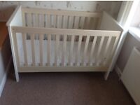 Mamas and Papas Cot and Chest of Drawers / Changing table