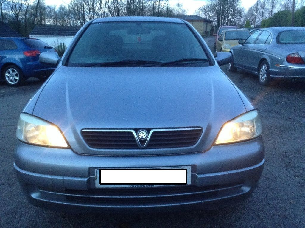 2005 vauxhall astra 1 7 cdti silver mot march 2016 full tank worth 60 in pollokshields. Black Bedroom Furniture Sets. Home Design Ideas