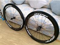 Zipp 303's carbon wheels.