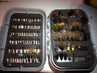 225 Trout flies + fly box
