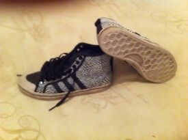 Adidas high tops size 5 like new look