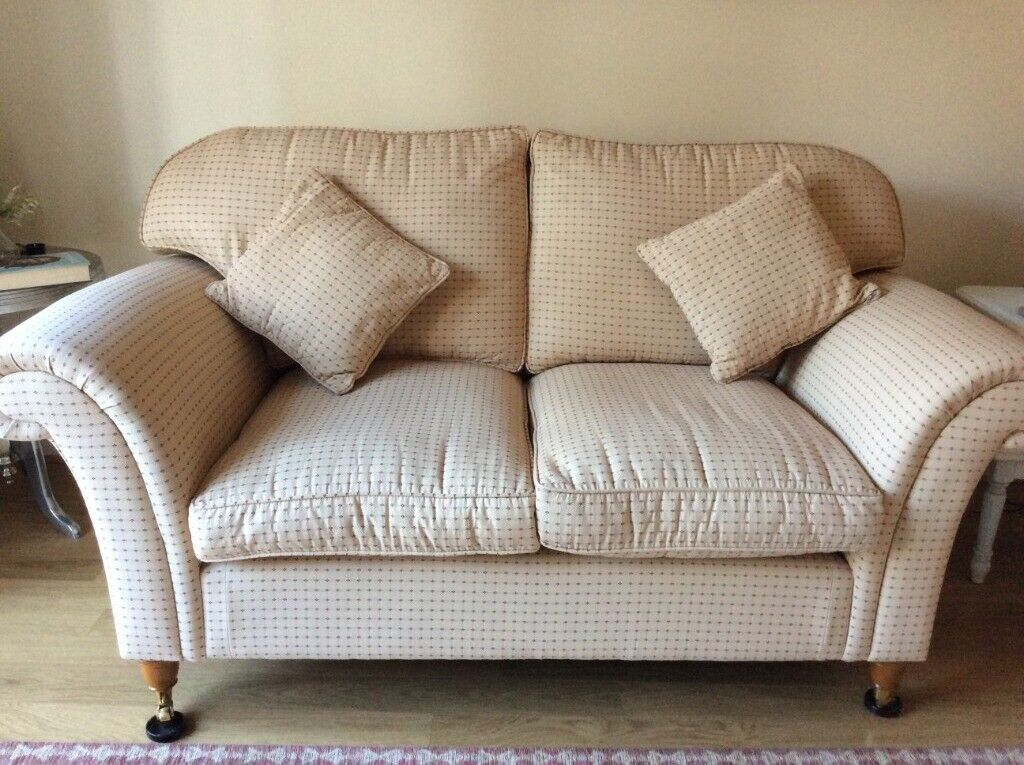 Sofa Laura Ashley In Good Condition