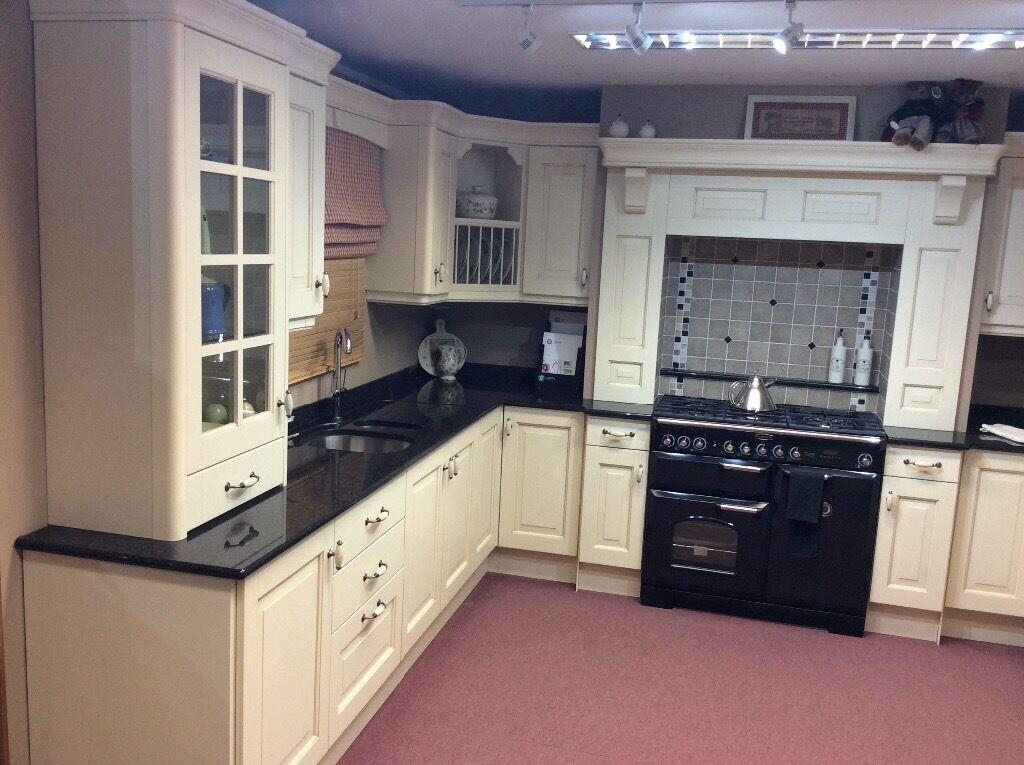 Kitchen ex display including granite worktops in for Kitchen display