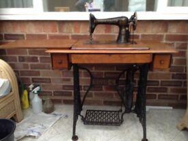 Antique 'Singer' treadle sewing machine 66k